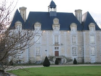 Le château d'Esquay, construit par Pierre de Pierrepont sous le règne de Louis XIII
